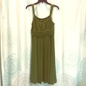 green jones wear dress